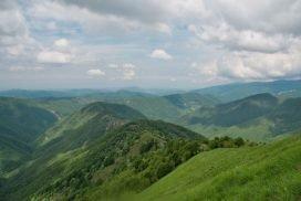 Panorama sui monti dalla vetta del Monte Antola