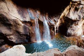 Cascata, Grotte di San Canziano