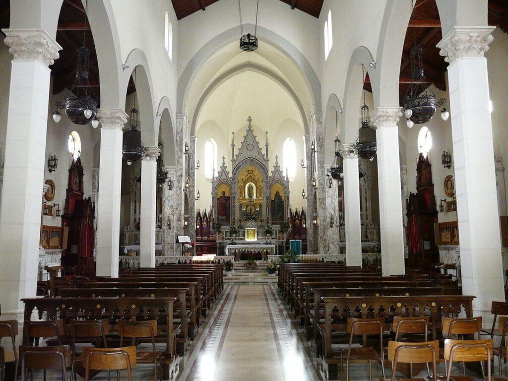 Santo_Stefano_d'Aveto-santuario_madonna_di_Guadalupe-navata